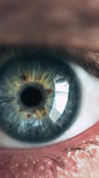 عکس زمینه چشم انسان