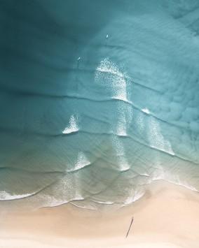عکس زمینه هوایی ساحل آرام زیبا
