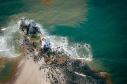 عکس زمینه عکس هوایی دریای خروشان