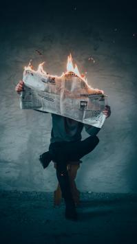 عکس زمینه روزنامه آتشین خاص و شیک