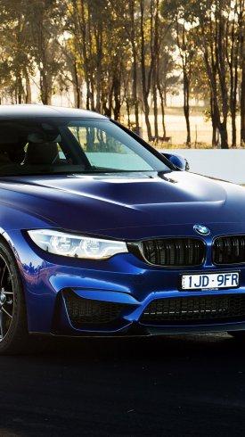 عکس زمینه اتومبیل بی ام و آبی رنگ