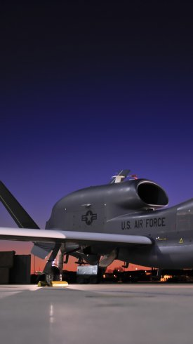 عکس زمینه هواپیمای جاسوسی گلوبال هاوک ارتش آمریکا