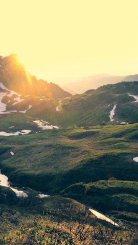 عکس زمینه غروب در کوه های آلپ آلمان 4K طبیعت