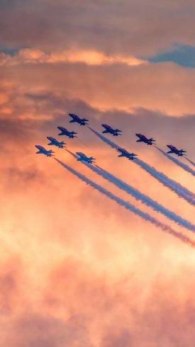 عکس زمینه نمایش هوایی هواپیماهای نظامی