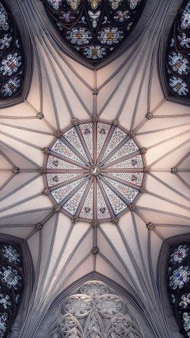 عکس زمینه معماری داخلی سقف کلیسای جامع