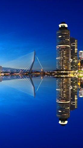 عکس زمینه رودخانه ای در شهرروتردام هلند