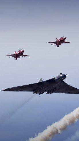 عکس زمینه بمب افکن های ولکان فلش نظامی انگلیس