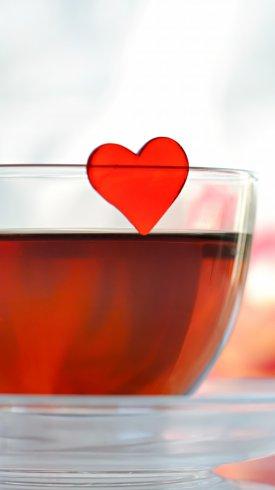 عکس زمینه قلب عاشقانه در فنجان چای