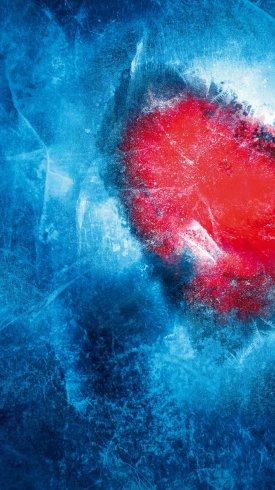 عکس زمینه قلب در زیر آب منجمد