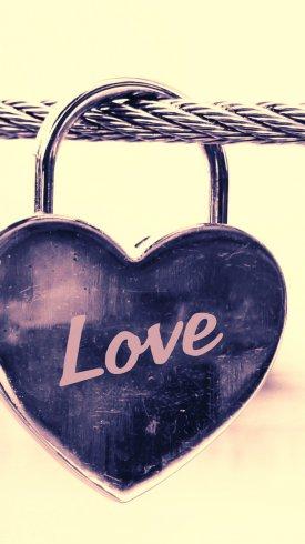عکس زمینه قفل به شکل قلب با عنوان love
