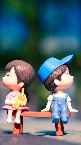 عکس زمینه عروسک های زوج نیمکت شایان و ستایش