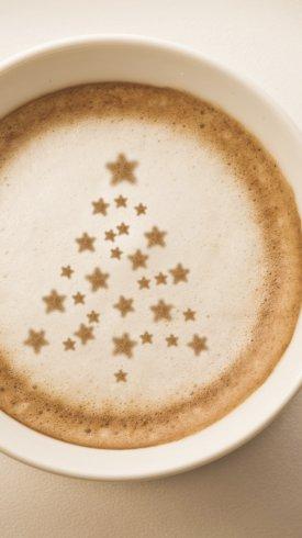 عکس زمینه ستاره ها بر روی فنجان قهوه